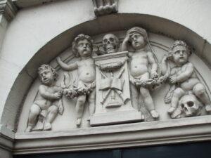 Cherubs & Skulls